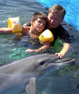 Дельфінотерапія. Лікування дітей і дорослих.