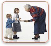 Діти: як бути з «бабусями», що заважають вихованню?
